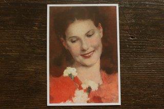 古いポストカード(赤い洋服の女性)
