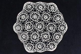 お花の六角ドイリー