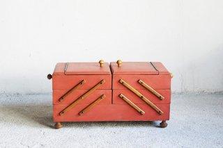 オレンジピンク色の3段裁縫箱/ドイツ