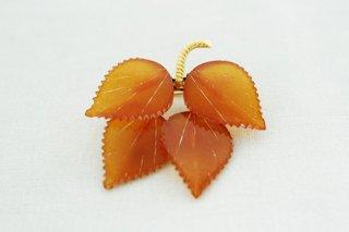 琥珀のブローチ/葉っぱ4枚-2