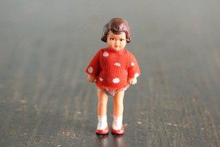 赤い水玉ワンピの女の子(DDR)/ドイツ