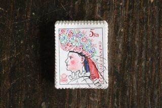 民俗衣装の女性の切手(1)/チェコ