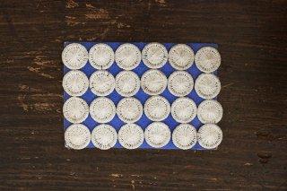 ハンガリーの糸ボタンシート/14mm (白)