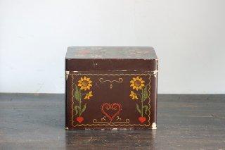 ハートから花が咲く紙製の整理箱/ドイツ