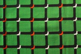 ヴィンテージクロス/黒の窓緑地