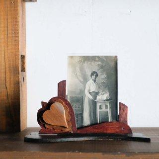 ハート溢れる木製の写真立て/チェコ