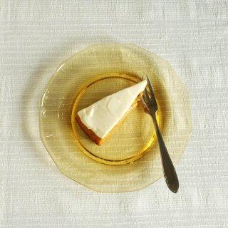 飴色ガラスのケーキ皿/チェコ