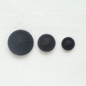 チェコの糸ボタン/黒