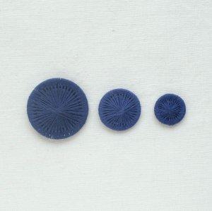チェコの糸ボタン/紺