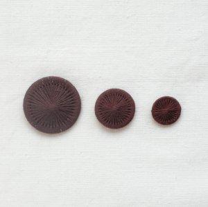 チェコの糸ボタン/ラムレーズン