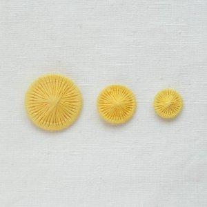 チェコの糸ボタン/柔レモン