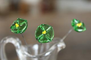 ガラス製の花のピック/三角草/緑