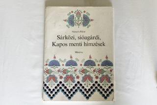 ハンガリー刺しゅうの綴り本『Sarkosi』