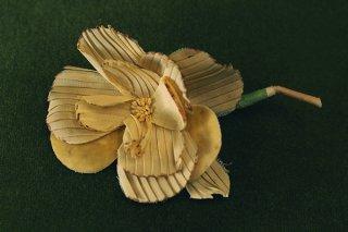 ヴィンテージコサージュ/薄い黄色のプリーツ花