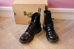 <img class='new_mark_img1' src='https://img.shop-pro.jp/img/new/icons62.gif' style='border:none;display:inline;margin:0px;padding:0px;width:auto;' />Dr.Martens ドクターマーチン パテントレザー 8ホール ワークブーツ size37/23cm
