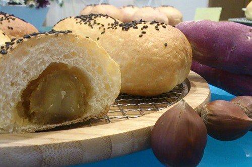 石焼きいもパン くり入り (秋限定)