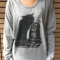 鳥カフェオリジナルUネック長袖Tシャツ「黒猫とちょぼ」