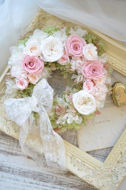 プリザーブドフラワーリース ピンク(直径24cm)ご両親贈呈用に人気です。