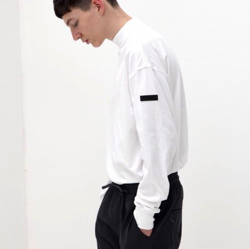 BACK HALF ZIP    LONG  T-SHIRT