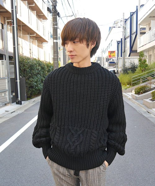 CABLE KNIT CREW NECK_BLACK_