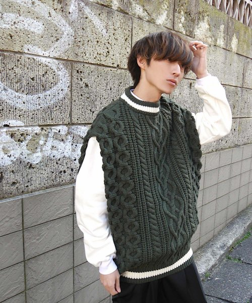 CABLE KNIT PONCHO BEST_KHAKI_
