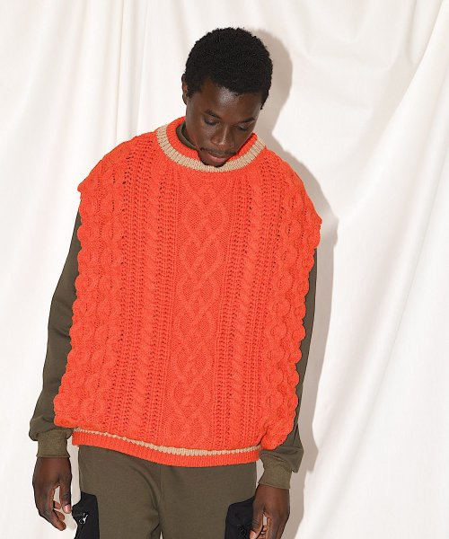 CABLE KNIT PONCHO BEST_ORANGE_