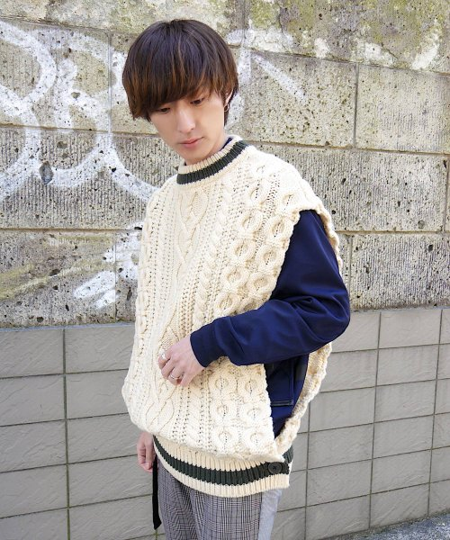 CABLE KNIT PONCHO BEST_NATURAL_