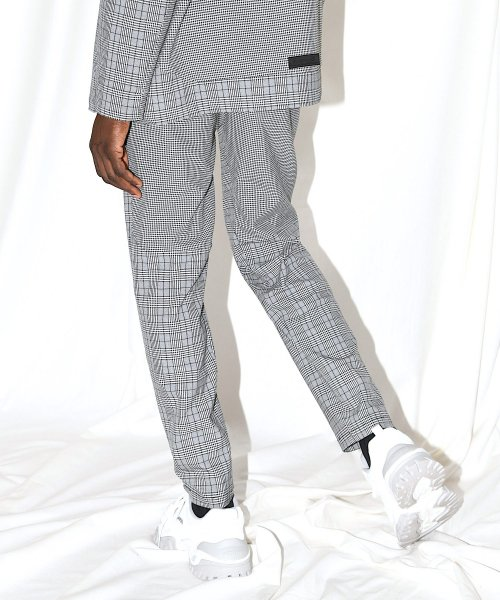 SWITCHING TAIL PANTS_GRAY CHECK_
