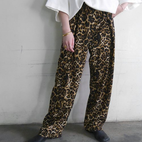 TUCK WIDE PANTS_LEO_