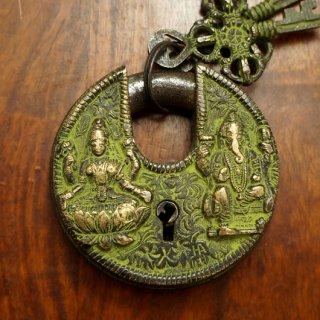 チベット 古い南京錠(観音菩薩とガネーシャ)