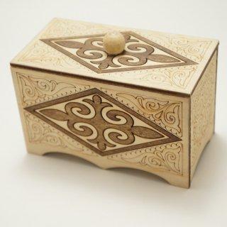 キルギスタン 民族模様の木箱