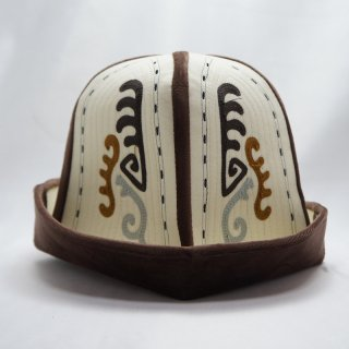 キルギス伝統の帽子 カルパック1