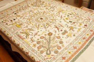 ノクシカタ刺繍のテーブルクロス