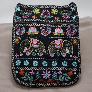 バングラディッシュ ノクシカタ刺繍 ショルダーバッグ1
