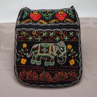 バングラディッシュ ノクシカタ刺繍 ショルダーバッグ2