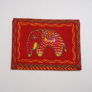 バングラディッシュ ノクシカタ刺繍 ティッシュケース1