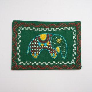 バングラディッシュ ノクシカタ刺繍 ティッシュケース3