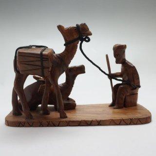 パキスタン 木彫りの置物 ラクダ