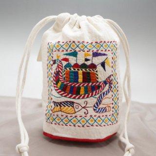 バングラディッシュ ノクシカタ刺繍 巾着 丸型 白