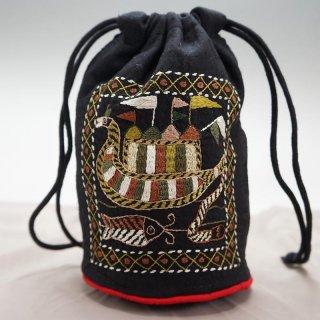 バングラディッシュ ノクシカタ刺繍 巾着 丸型 黒
