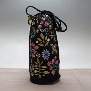 バングラディッシュ ノクシカタ刺繍 巾着 丸型 黒 ペットボトルケース