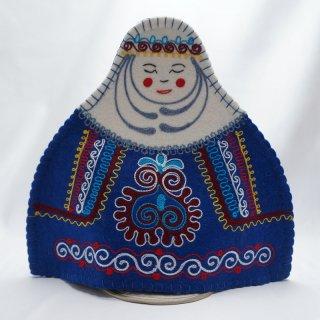 キルギスタン フェルト ティーコゼー 女性1