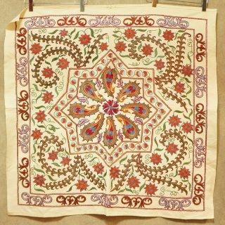 スザニ-正方形-05 中サイズ 101 x 101cm