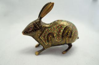 手彫り真鍮像 ウサギb