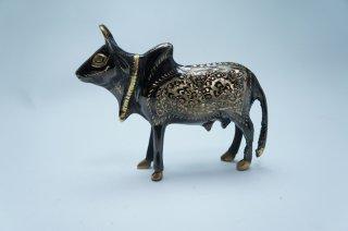 手彫り真鍮像 牛a