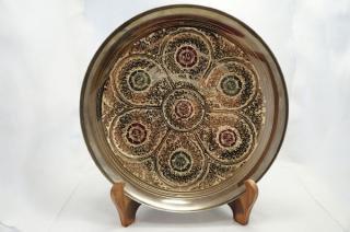 手彫り真鍮皿・大サイズ (皿立て・フック付属)