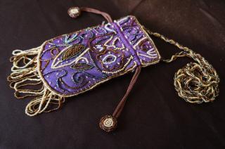 ビーズ装飾 小物バッグ 紫