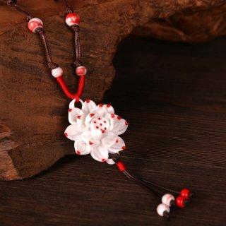 赤い蓮の華の陶器ペンダント