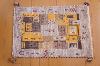 イラン・カシュガイ族の手作り絨毯 ギャッベ 85 x 60cm