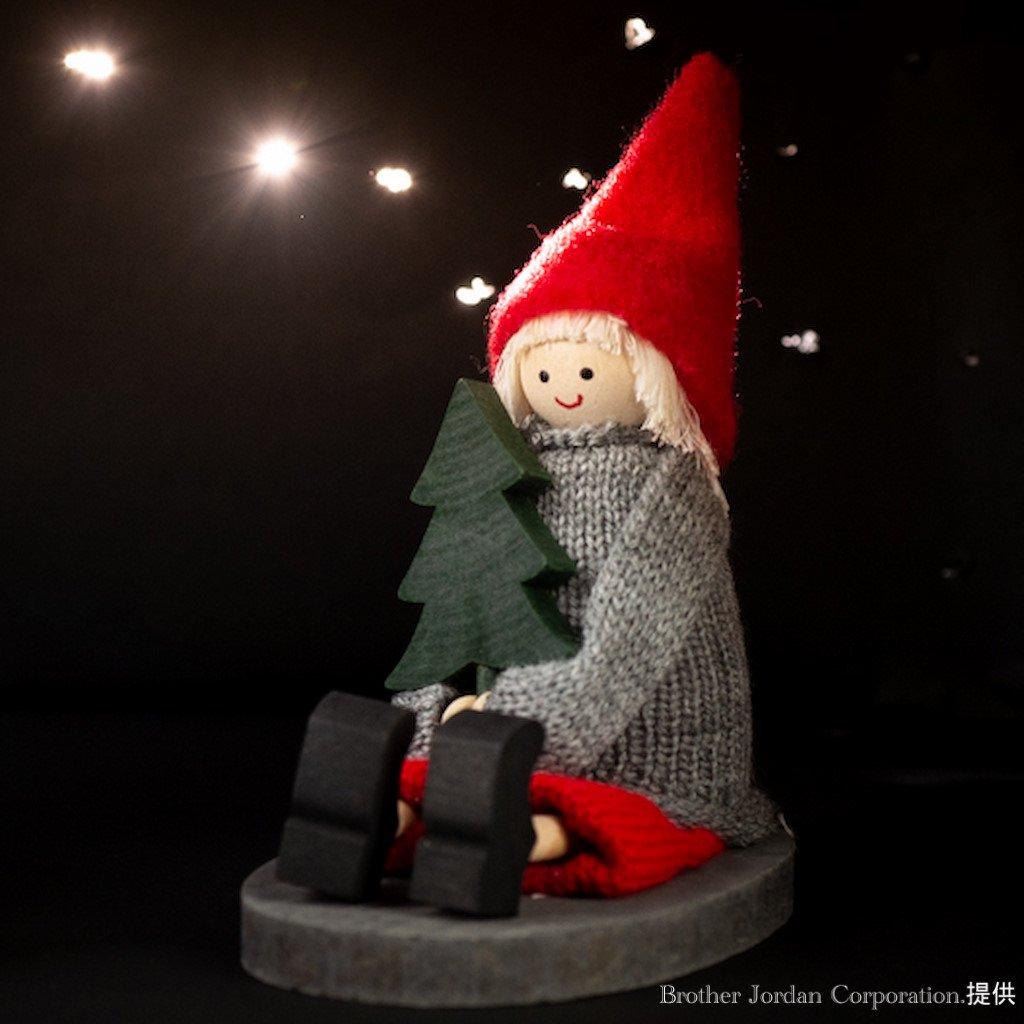 お座りニルス・モミノキ SP46464 伝統のクリスマス飾り・北欧の人形